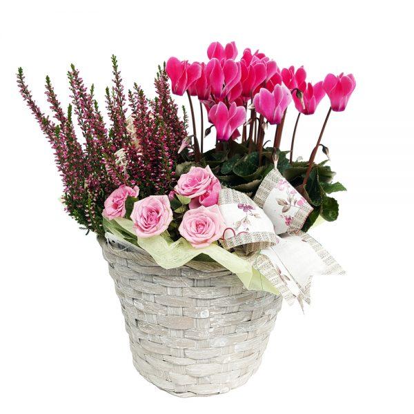 Jardiniera cu flori||