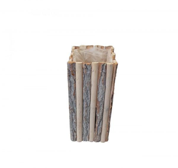 Coloana patrata din bucati de lemn